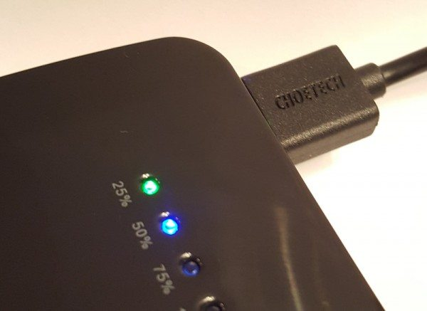 choetech-dual-usb-battery-pack-5