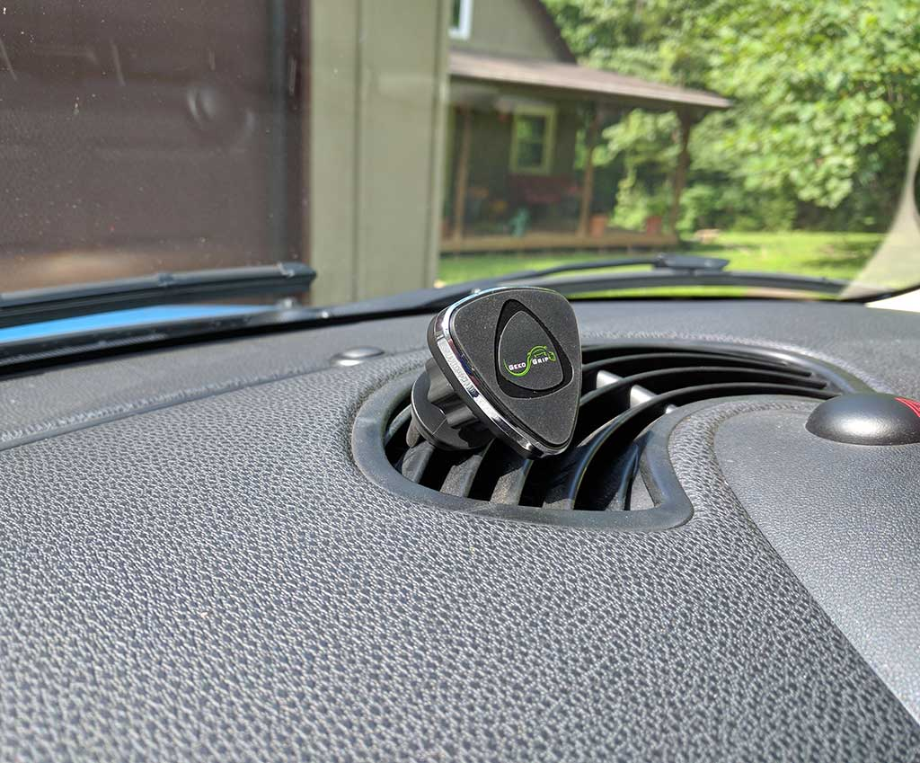 I Was Able To Attach The Air Vent Mount On Vents Of My 2017 Mini Cooper With Some Effort But It Did Make Me Worry That Might Damage One