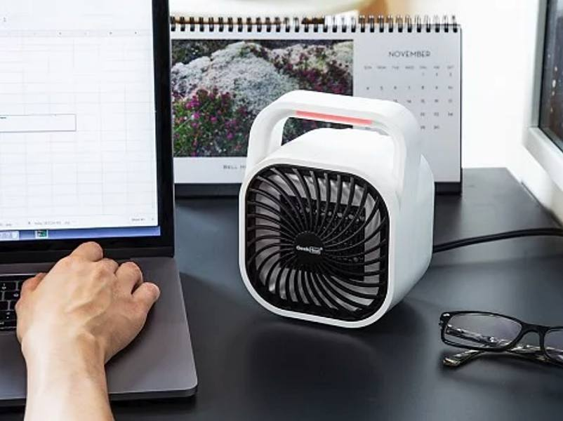 Let the GeekHeat personal ceramic heater keep you toasty this winter be85a911b21f5